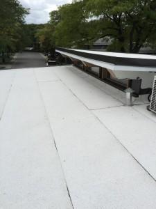 Couvertures-élastomères-couvreur-toit-plat-montréal-fondé-en-1987